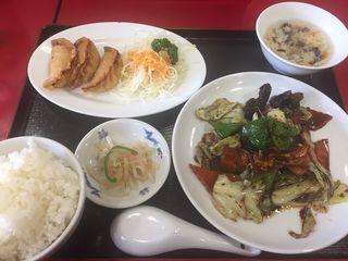 台湾料理 シン楽3.JPG