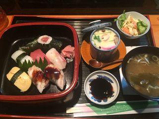 菊寿司3.JPG
