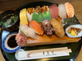 豊寿司3.jpg