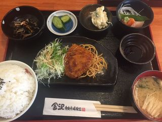 金沢中央市場食堂3.JPG