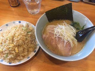 麺屋 竈豚3.JPG